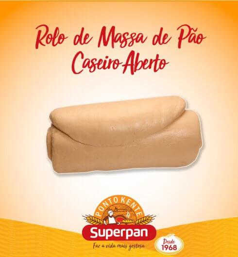 Rolo de Massa de Pão Caseiro Aberto.